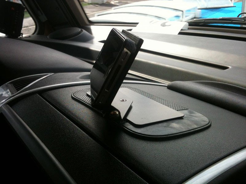 Sticky Universal© en auto
